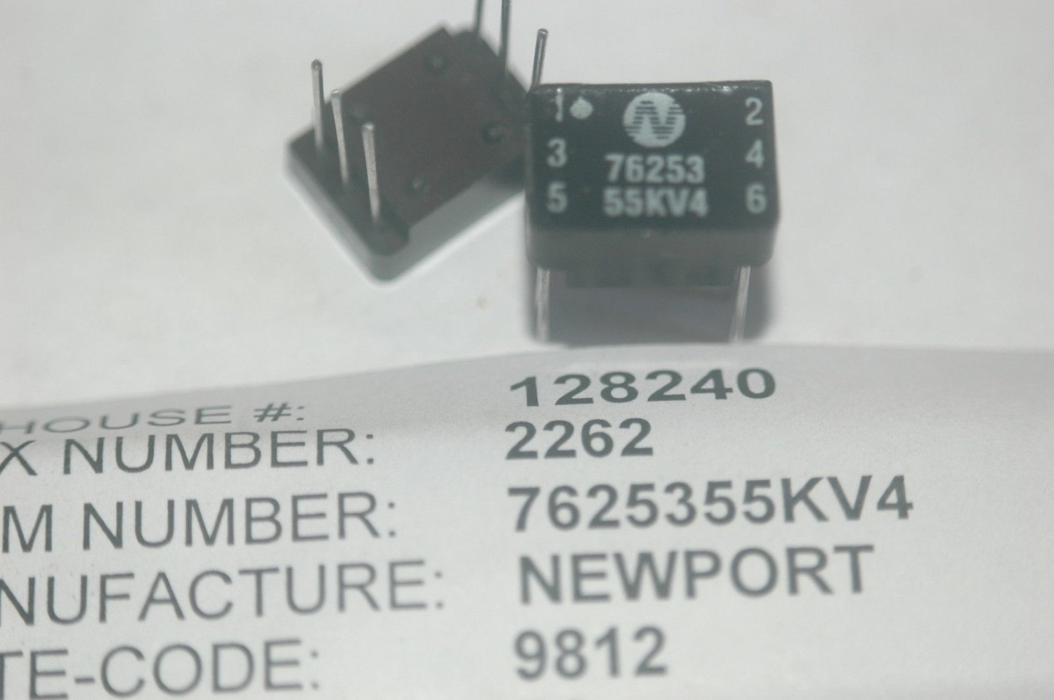 NEWPORT 7625355KV4 6-Pin Through Hole Vintage Relay Lot Quantity-2
