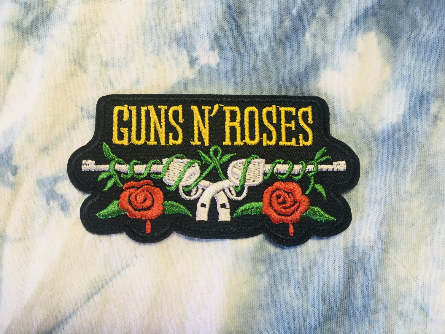 "Guns N' Roses Embroidered Iron on patch 4""x 2"""