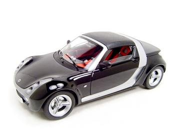 SMART ROADSTER BLACK 1:18 DIECAST MODEL