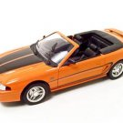 1994 FORD MUSTANG CONVERTIBLE ORANGE 1:18 DIECAST MODEL