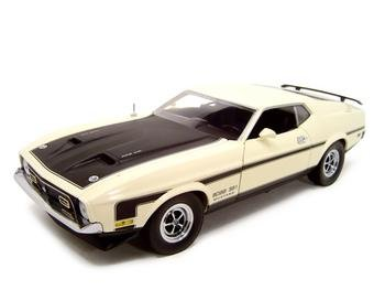 1971 FORD MUSTANG BOSS 351 MACH 1 1:18 DIECAST MODEL WHITE