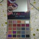 Huda Beauty New spring 3D Gighter Eyeshadow Platte