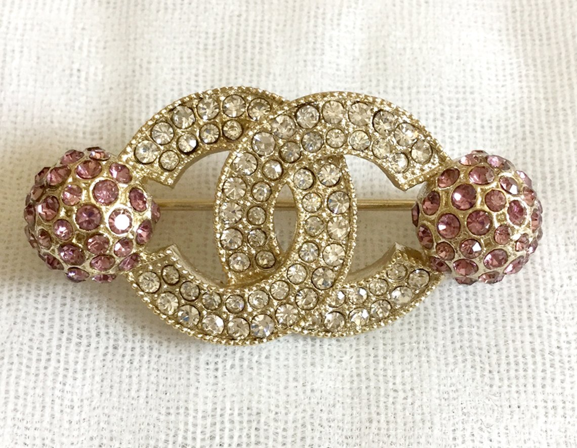 CHANEL Crystal CC Gold Fashion Brooch Pin Violet Globes Authentic HALLMARK NIB