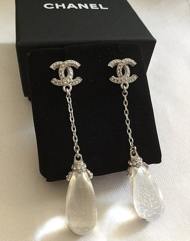 eff9be80974759 CHANEL Crystal Stud CC Glass Water Drop Dangle Earrings Silver Chain NIB
