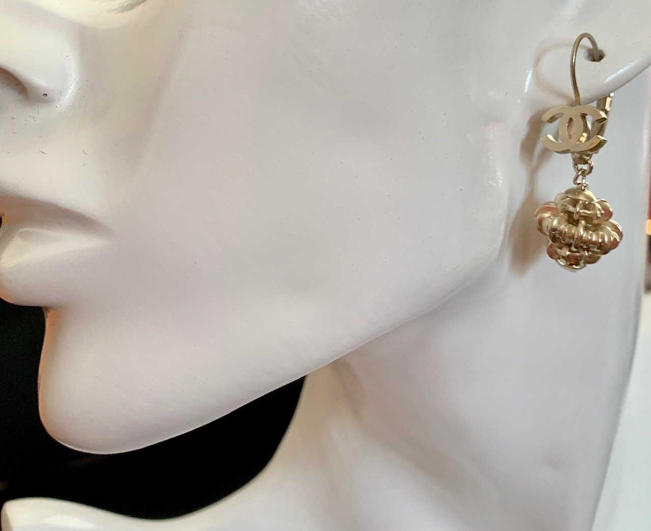 CHANEL CC Gold Lantern Dangle Earrings Lever back Pierced Classic NIB