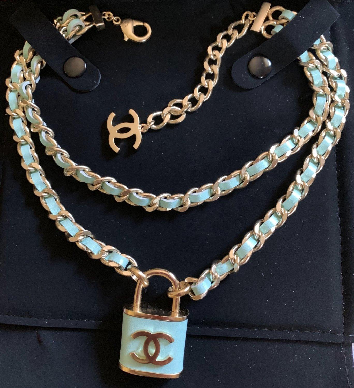 CHANEL CC Padlock Pendant Necklace Choker Green Leather Gold Chain NIB