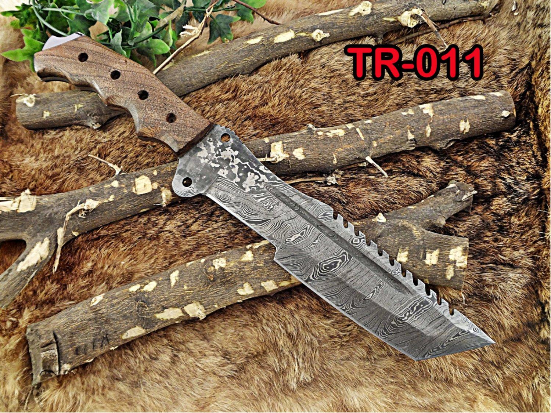 "Tracker Knife 14"" Full Tang Damascus Steel Tanto balde, Rose Wood, Cow sheath"