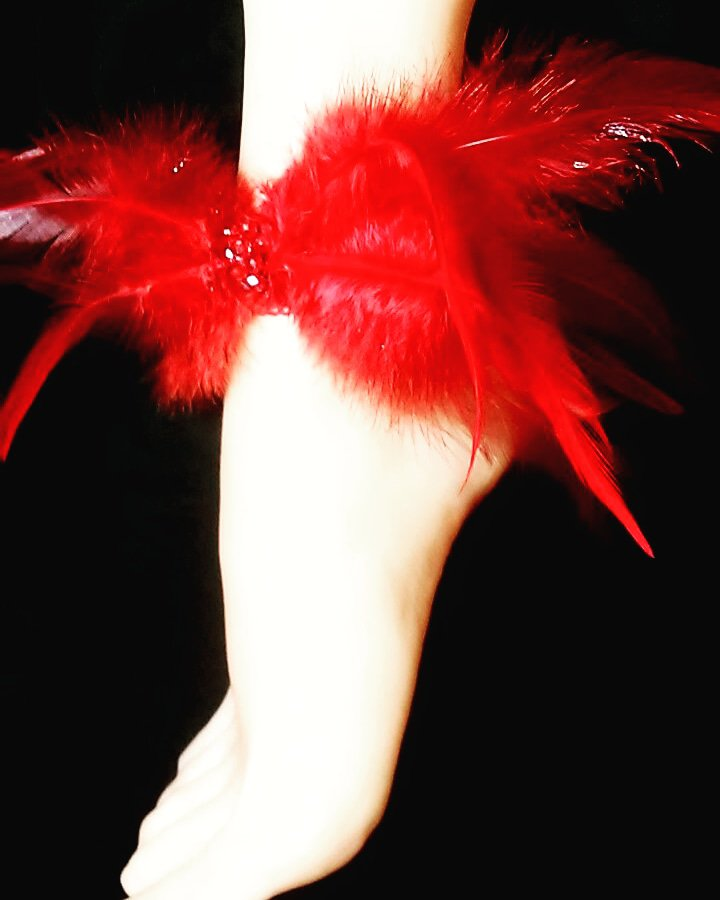 Red Feathered Stretch Anklet