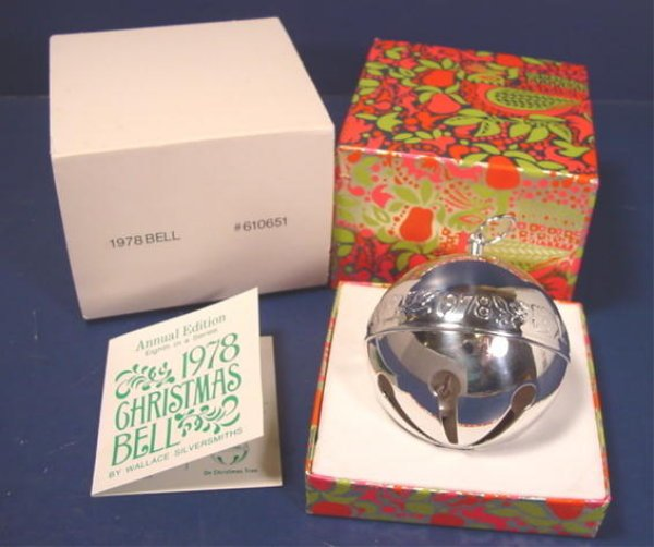 1978 Wallace Christmas rose silver silversmiths sleigh bell ball ornament 8th annual silverplate