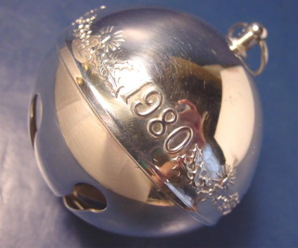 1980 Wallace silversmiths silver sleigh bell Christmas candles ornament 10th annual silverplate