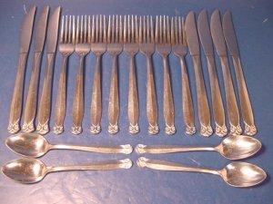 Nasco Silver vintage stainless steel Guilden Japan 19 dinner forks teaspoons spoon knives knife