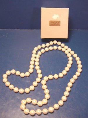 Parisian Impression Avon vintage 1987 pearlesque necklace cream ivory color faux pearls 38 inch