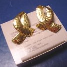 Avon Hammered Loop 1989 vintage goldtone pierced earrings gold color metal loops with box