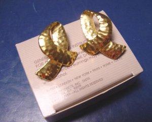 Avon Hammered Loop 1989 vintage goldtone pierced earrings gold color metal loops with box