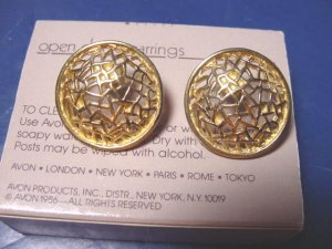 1986 vintage Avon Open Dome earrings pierced goldtone metal surgical steel posts box
