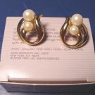 Vintage 1990 Avon Modern Classic pearl pierced earrings white faux pearls goldtone metal