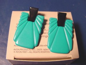 Color Square Avon vintage 1987 pierced earrings teal blue green and black color plastic with box