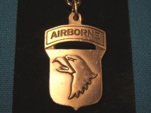 Sparta Pewter Airborne eagle keychain military medallion pendant keyring handcrafted in Canada