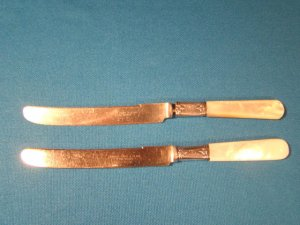 Sterling silver mother of pearl Landers Frary Clark knife 2 antique butter fruit knives Aetna Works