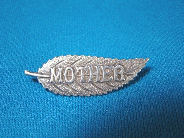 Mother sterling silver vintage brooch pin leaf shape gift for Mom Mothers Day jewelry