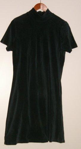 Short sleeved black dress size large