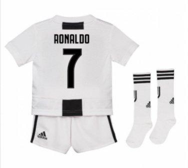 pretty nice f659e 6ea23 2018-19 Juventus Home Mini Kit (Ronaldo 7) socks, shorts