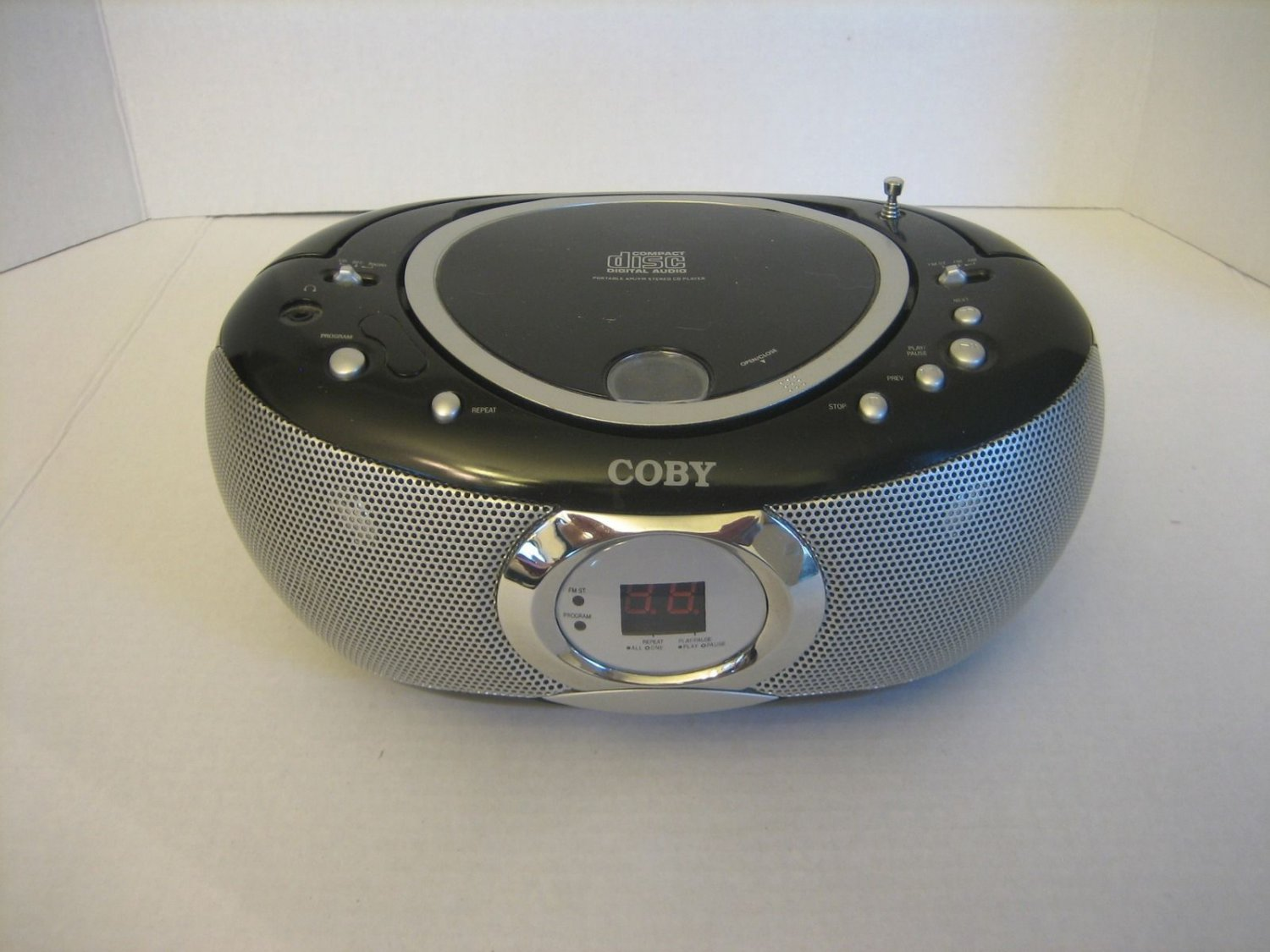 coby portable compact disc digital audio am fm stereo cd. Black Bedroom Furniture Sets. Home Design Ideas