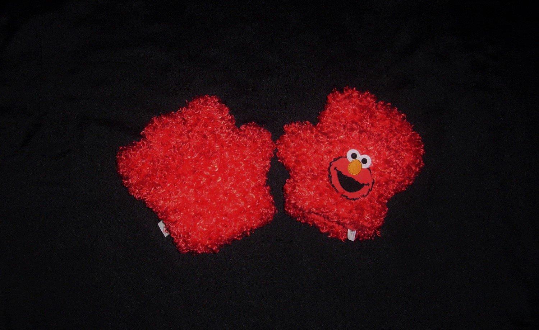 Fisher Price Elmo Tickle Hands