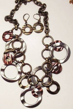 Striking Metal Necklace and Earring Set