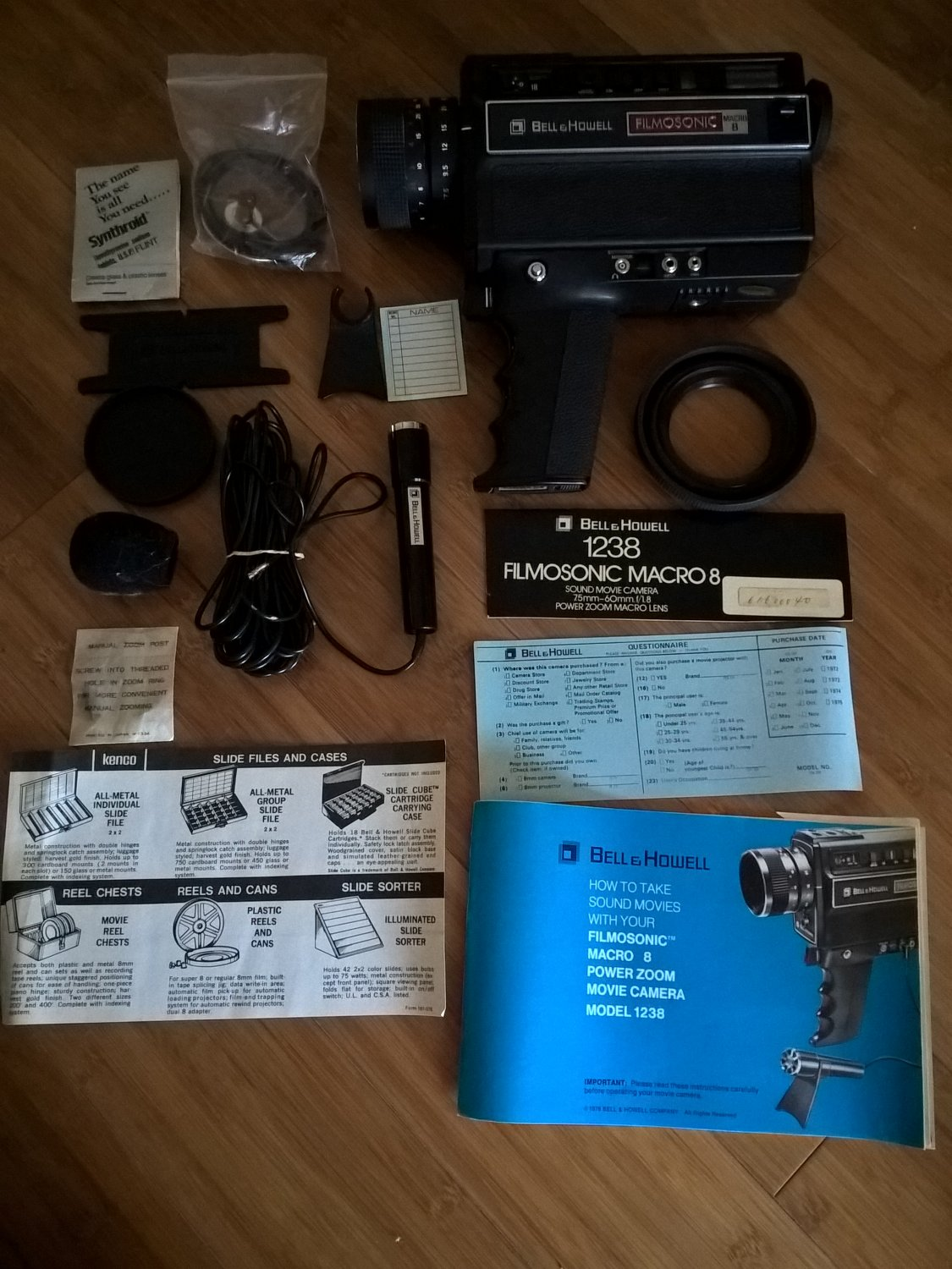 Bell & Howell FilmoSonic Macro 8 1238 W/ Accessories, Super8 Camera