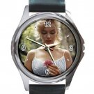 Marilyn Monroe With A Pink Flower Unisex Round Metal Watch-Leather Band