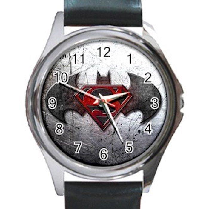 Nice Batman Vs Superman Unisex Round Metal Watch-Leather Band