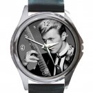 Late David Bowie Rock Singer & Guitar Unisex Round Metal Watch-Leather Band