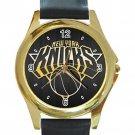 New York Knicks Basketball Logo Unisex Round Gold Metal Watch