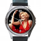Marilyn Monroe In Sexy Red Dress Unisex Round Silver Metal Watch