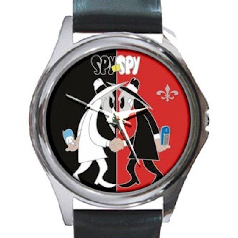 Spy Vs Spy Black & Red Design Unisex Round Silver Metal Watch