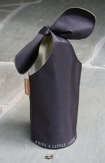 Fine Whines Bow Bag - Brown/Tan