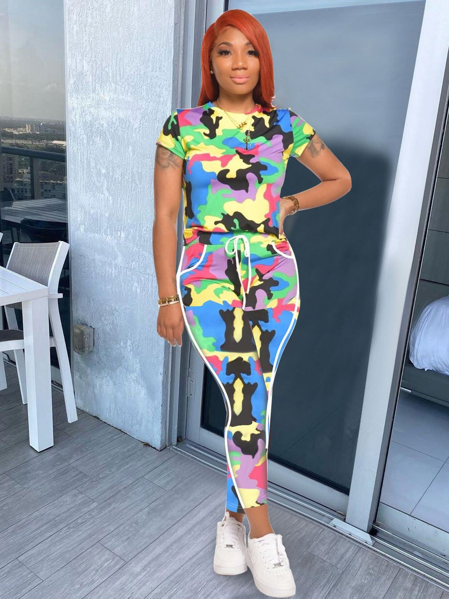 Colorful Camouflage Short Sleeve Womens Tracksuits