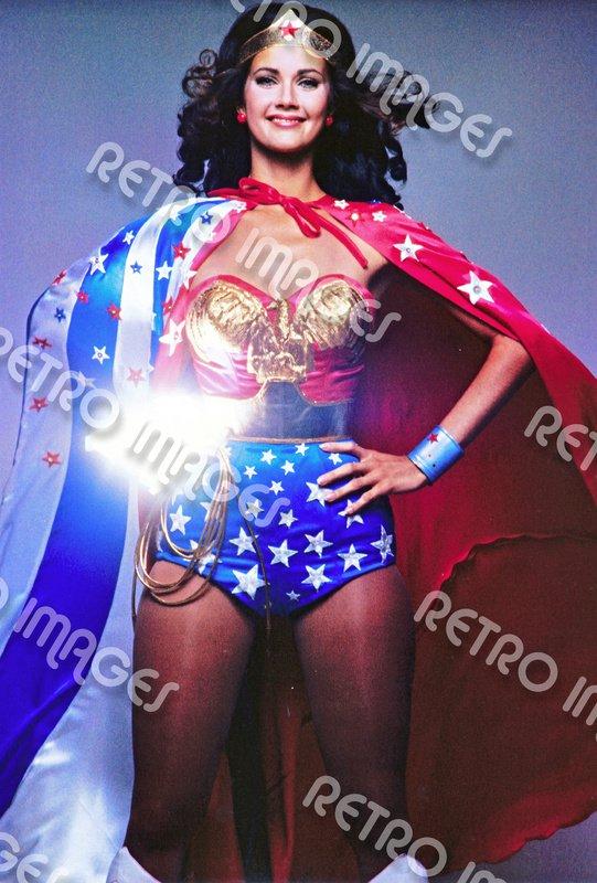 Wonder Woman 8x10 PS301