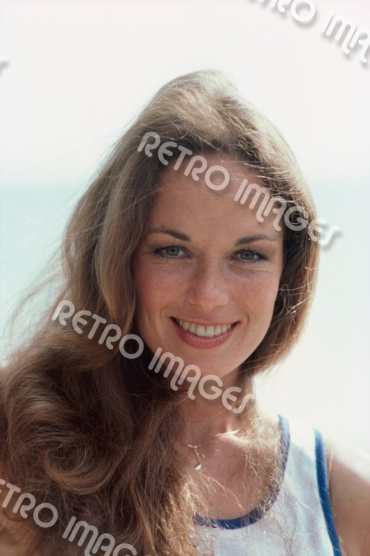 Catherine Bach 8x10 PS3001