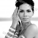 Halle Berry 8x10 PS1702