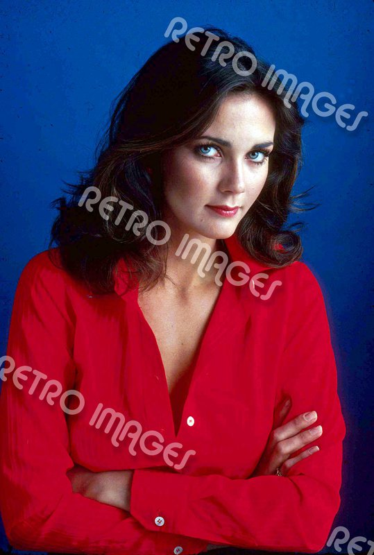 Lynda Carter 8x10 PS903