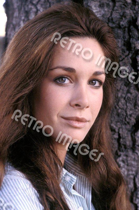 Mary Crosby 8x10 PS401