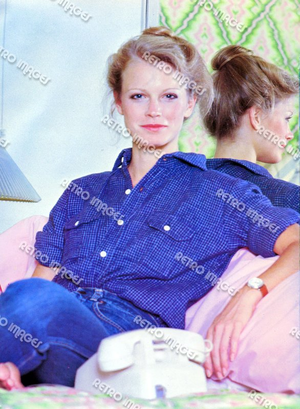 Shelley Hack 8x10 PS1201