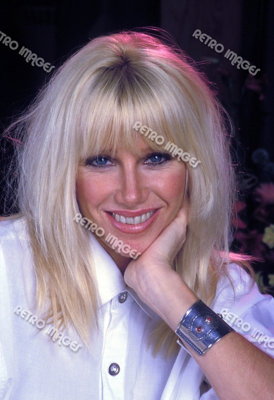 Suzanne Somers 8x10 PS701