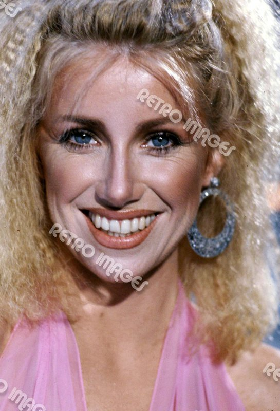 Suzanne Somers 8x10 PS1601