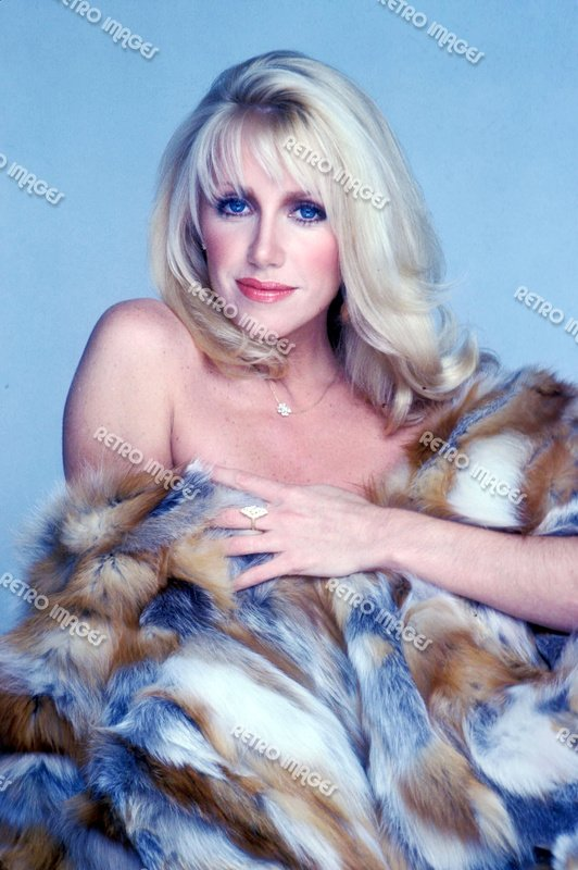 Suzanne Somers 8x10 PS3101