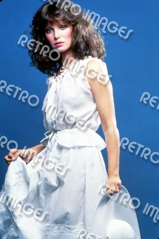 Jaclyn Smith 8x12 PS80-5304