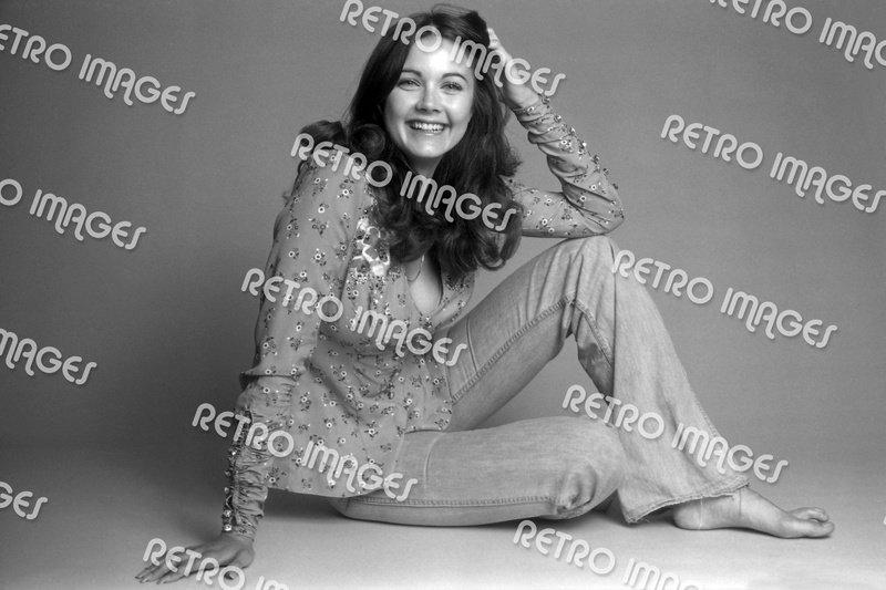 Lynda Carter 8x12 PS9402