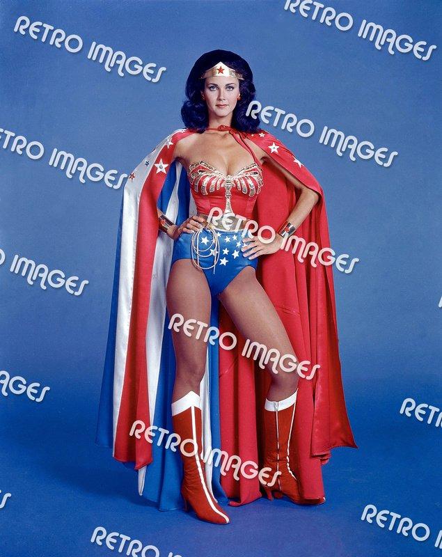 Wonder Woman 8x10 PS6401